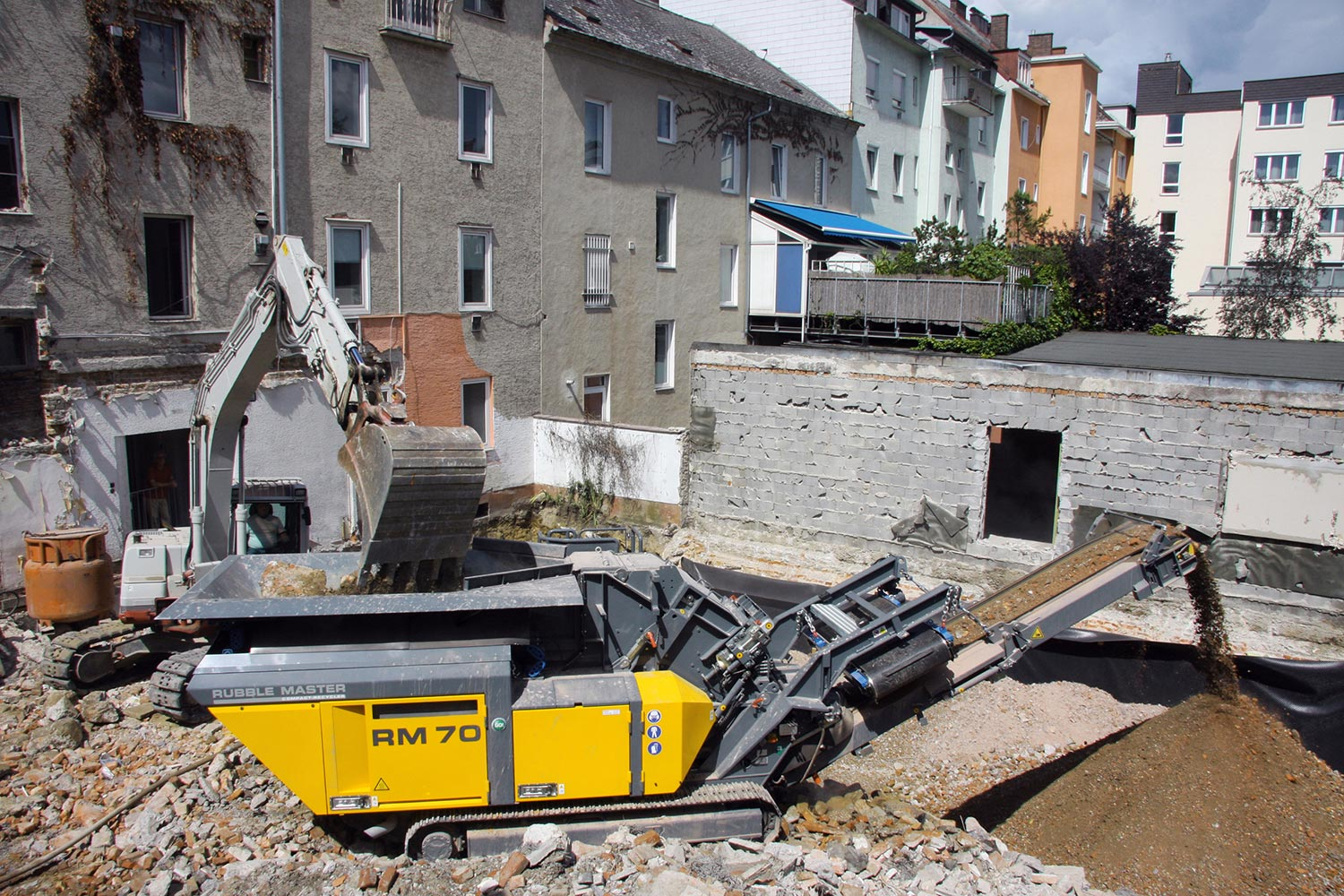 MHM RM Rubble Master Compact Crushing RM70GO